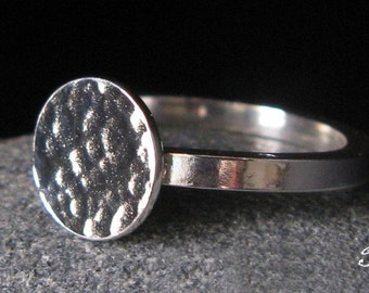 Hammered disc ring with thick square band. Sterling silver modern jewelry textured reflective circle. Quality artisan made. Gift for her.