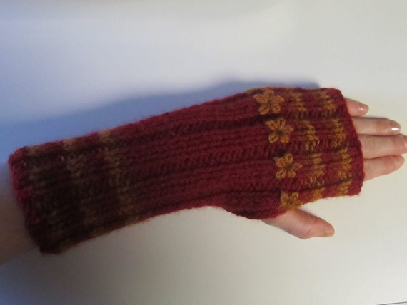 FREE Knitting Pattern  Fingerless Handwarmers