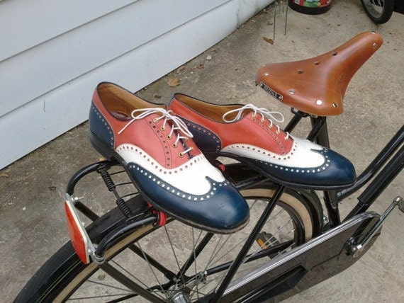 Mens Red White and Blue size 11 Wingtips