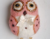 Owl brooch with bow