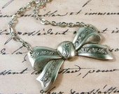 Beautiful Bow Necklace