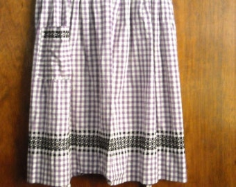 VINTAGE apron purple and white gingham with  embroidery