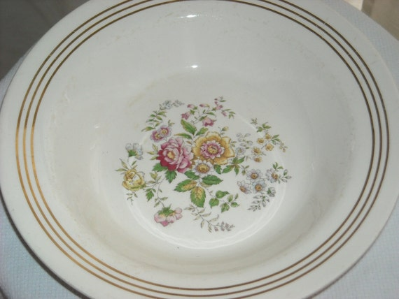 Royal China Inc. vegetable bowl Roses design