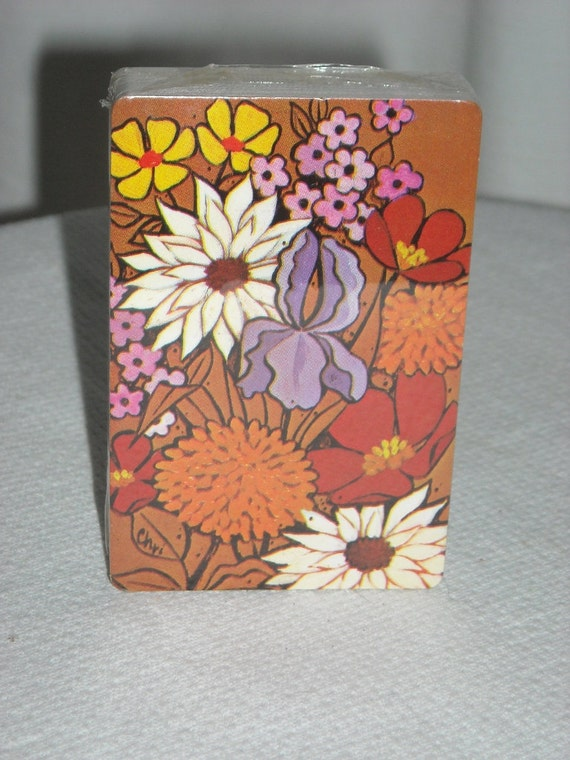 vintage Trump deck of cards NEW in cellophane Floral design
