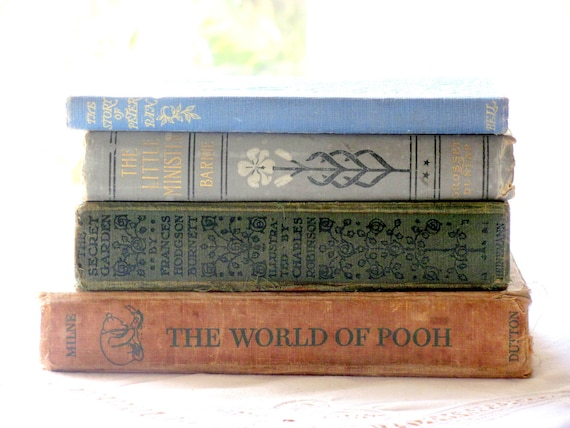 The World of Pooh, AA Milne, Vintage Book