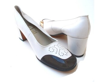 60s Spectator Pumps Chunky Heels Womans Size 7 Bone Leather Brown Patent Leather Amalfi Italy 7 B EUR 37