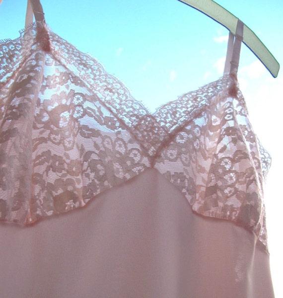 50s Vintage Van Raalte SLiP Dress Gorgeous Wide Lace size 34 Palest Pink