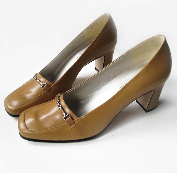 1980s Vintage Ladies Shoes Calico pumps size 8 M, Golden Butterscotch Deadstock Chunky Heels