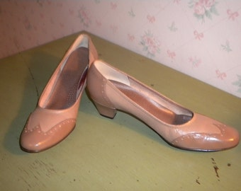 CLEARANCE Vintage Selby Comfort Flex Spectator Pumps, 8AAA