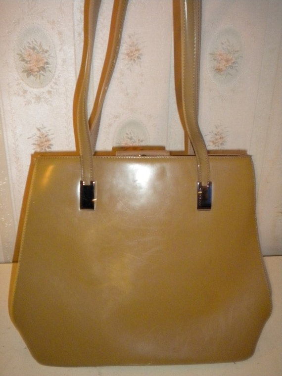 CLEARANCE - 30% Off - Treasury Item - Vintage Jones New York Leather Purse