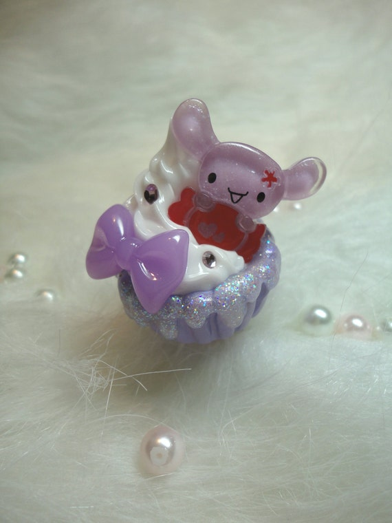 Sparkling Lavender Puppy Cupcake Ring
