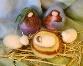 Waldorf - Wool figures  -  Nativity scene   - needle felted in  New Zealand wool