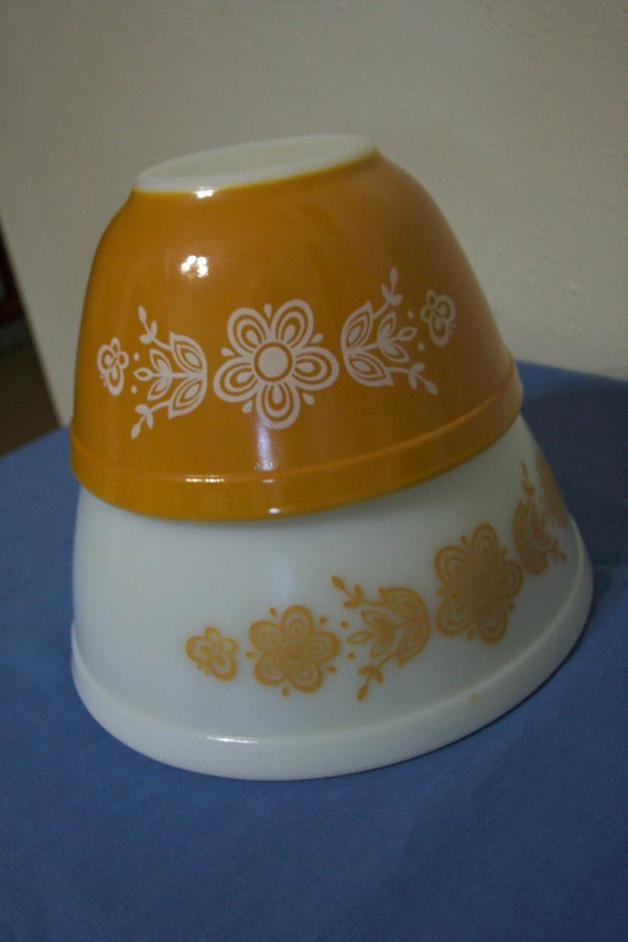 Pyrex  Butterfly Gold Nesting Bowls Mixing Bowls