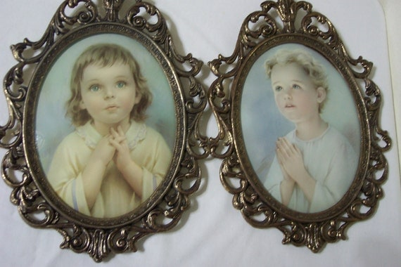 Pictures Boy and Girl Praying Set of 2 Oval Bubble Glass Metal Frames