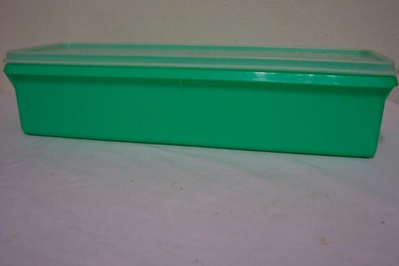 Tupperware Celery Keeper Thin Stor Refrigerator Container Spring Green