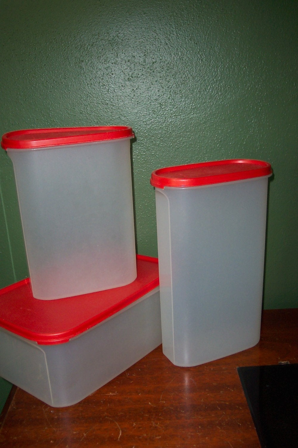 tupperware kitchen storage containers vintage set of 3 tupperware food storage containers 6393