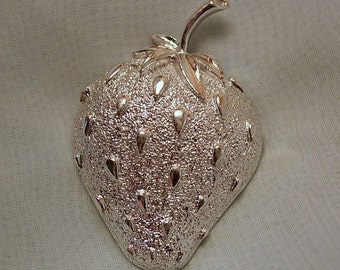 Sarah Coventry Strawberry Ice Brooch