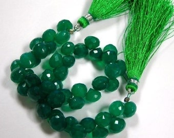 6 Green Onyx faceted candy kiss onion briolettes 6pieces