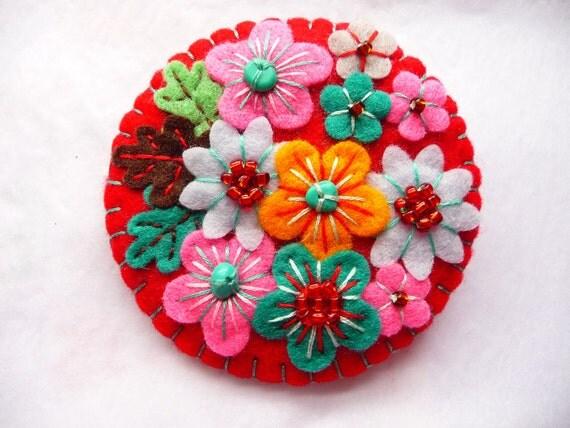 ES613B/056 - Japanese Art Inspired Felt Brooch - Red