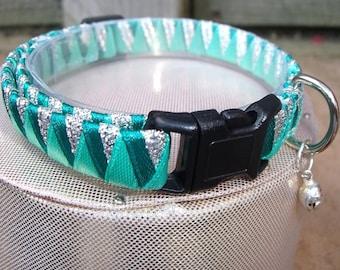 Cat Collar Breakaway in Beautiful Green and Silver