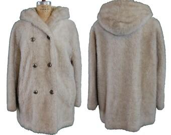 1970s Vintage White Stag Faux Fur Pea Coat
