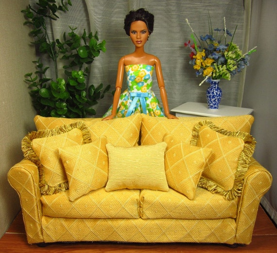 Barbie Sized Furniture - Traditional Gold Diamond Sofa