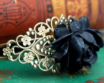 Gorgeous Black Rose Bracelet