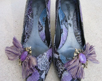 EMBELLISHED BLACK, BLUE, LIGHT GRAY AND PURPLE SNAKESKIN PUMPS WITH METALLIC SILK BOW MADE FROM A VINTAGE BRACELET, SIZE 6.5
