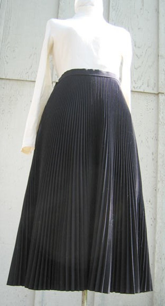Vintage Black Accordion Pleated Skirt