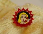 Betty - hand painted brooch
