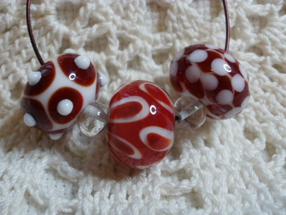 "3 Handmade Lampwork Glass ""Wonky"" Beads in Red and White (ID 3-1)"