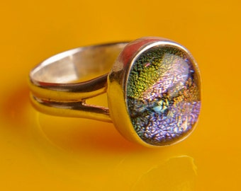 Handmade Dichroic Fused Glass Sterling Silver .925 Size 6.5 ...color changing...