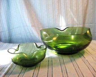 Anchor Hocking tri-fold bowl set