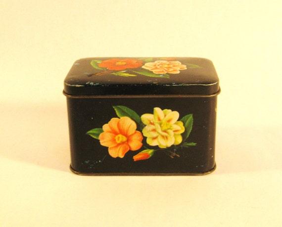 Vintage tea tin