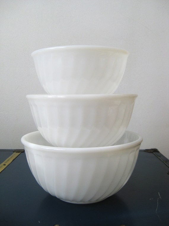 Fire-King Ivory Swirl bowls - set of 3