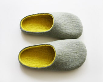 Felted wooly slippers in light grey and Egg yolk yellow insole in women's size EU 37