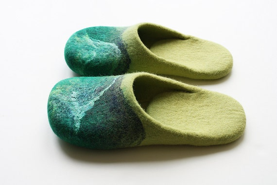 """Everything under the sun """" Felted wool slippers  in yellow and green"""