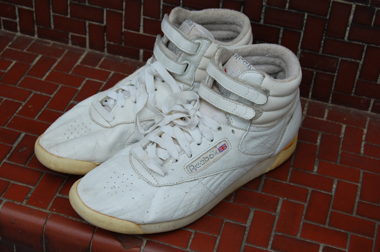 awesome reebok high tops womens size 10 hi tops tennis shoes