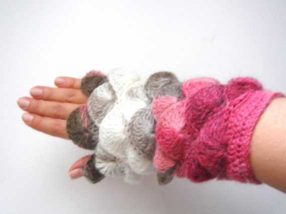 Multi color pink Brown  yarn Fingerless Mittens Gloves No 10