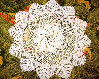 Vintage Doily, Round, Crochet, Pinwheel, Vintage Linens, Tabletop