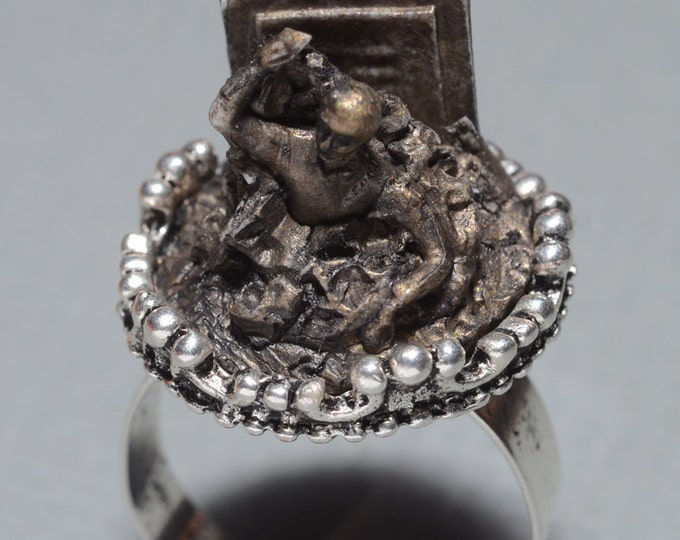 Psychobilly Jewelry - Cameo  Ring- Rising from the Grave Zombie- Antique Gold Finish