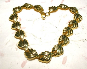 Vintage Gold Tone Leaf Chain Necklace