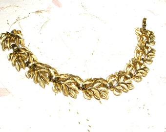 Gold Tone Leaf Bracelet From Trifari