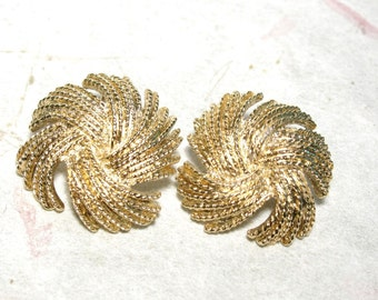 Large Monet Gold Tone String Flower Rope Earrings