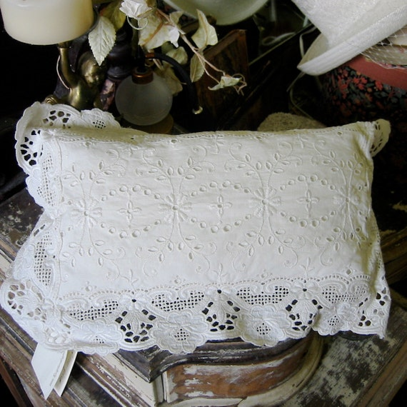 Vintage Lace Doily ring pillow