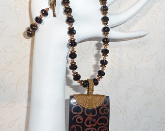 Crystal and Wood Necklace - N1287