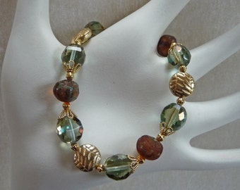 Blue/Green and Gold Tone Bracelet - B1525