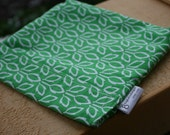 Reusable eco friendly washable Sandwich Bag - white flowers on green