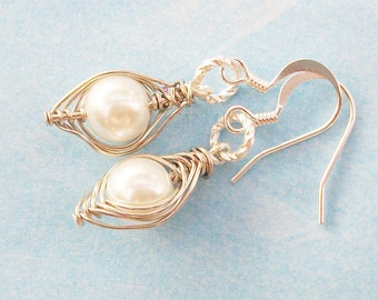 Pea Pod Earrings,Peas In A Pod,One Pea In A Pod Earrings,Pea Pod Jewelry,Silver Pea Pod Earrings,Peas In A Pod,choose Your color pearl