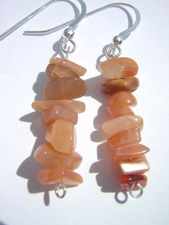 Peach Moonstone Gemstone Chip Earrings on by LaTiendaPequena